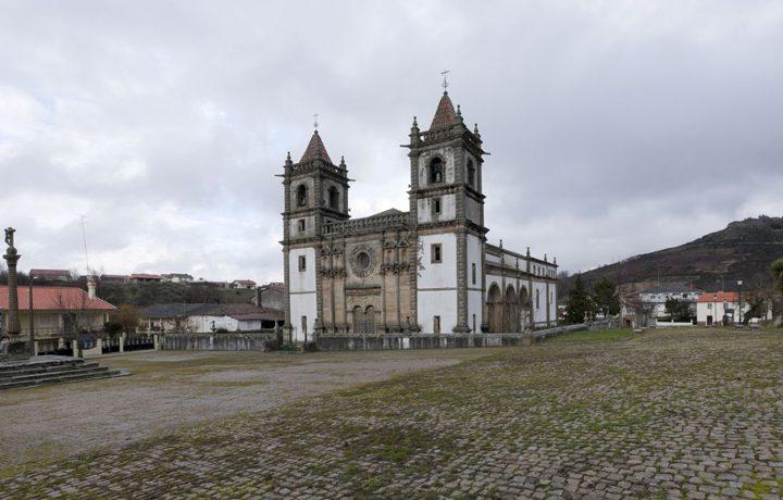 Basílica Menor de Santo Cristo de Outeiro_02_outeiro_2_162705732954d8a71101f87