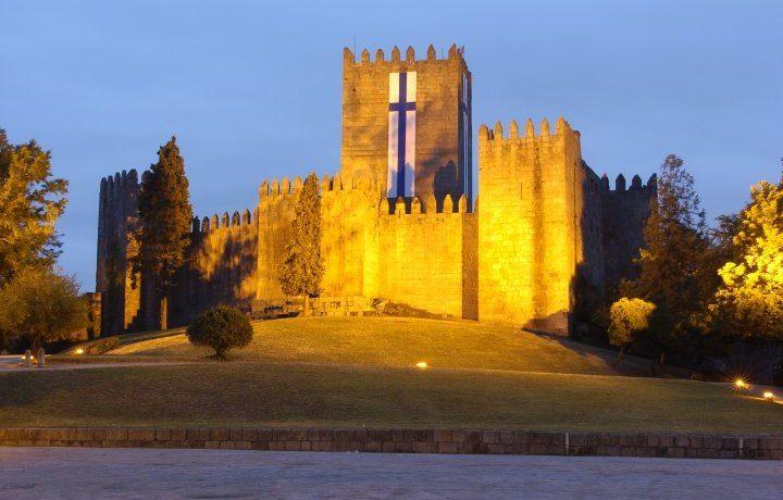 castelo_guimaraes_12__157337882254818fc99c051